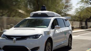 Amerikában beindult az első sofőr nélküli taxi