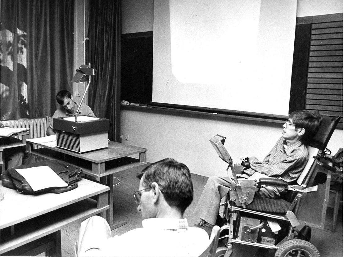 Stephen Hawking magyar tudósok körében, 1987-ben