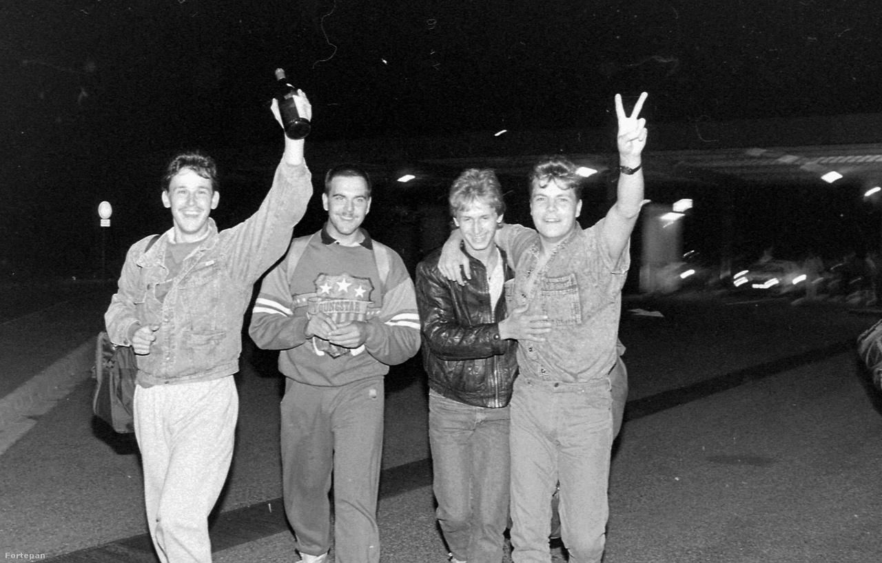 Az 1989. augusztusi páneurópai piknik keretében ideiglenesen megnyitották az osztrák–magyar határt, majd szeptembertől hivatalosan is átengedtek minden nyugatra igyekvő keletnémetet. Aztán ledőlt a berlini fal, és nemcsak az utazásban, hanem egész Európában egy teljesen új korszak kezdődött.