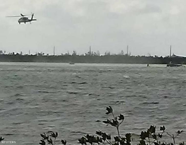 Mentőhelikopter a baleset helyszínén