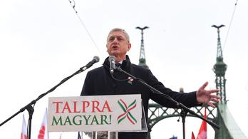 Gyurcsány visszalépteti a jelöltjét Szél Bernadett javára