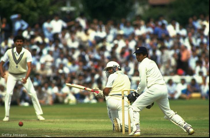 A pakisztáni Ali Zia játszik egy jótékonysági meccsen az indiai csapat ellen