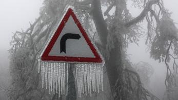 Hófúvás, több centis jégpáncél, ónos eső várható egész hétvégén