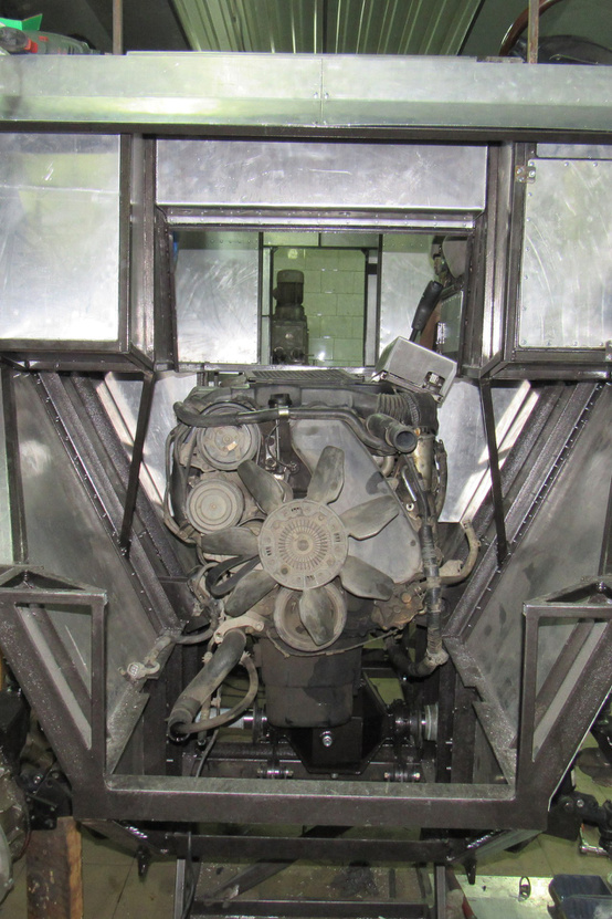 Burlak 2 motorelhelyezés