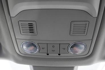A LED-es hangulatvilágítás fénye zavaróan hideg