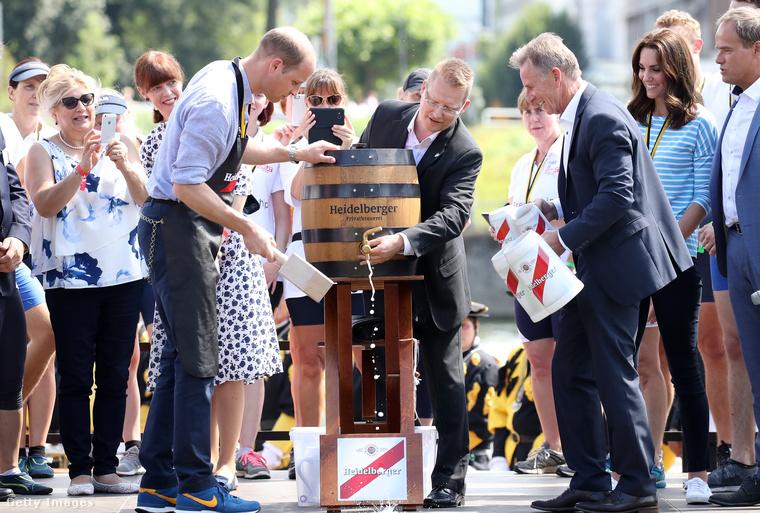 2017 július 20-án volt egy németországi látogatása, amikor Cambridge testvérvárosa elleni verseny során megcsapoltak egy hordót.