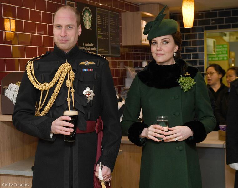 Elég sok élethelyzetben láthattuk már Katalin hercegnét, még úgy is, hogy nem teszi ki a kirakatba a hétköznapjainak minden apró kis mozzanatát, de sörözés közben még nem igen volt alkalmunk szemügyre venni a Vilmos herceg feleségét
