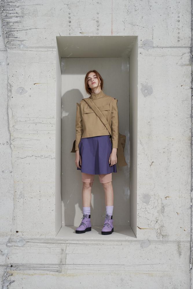 A fiatal márka szerint divat lesz a bézs és a lila a szezonban.