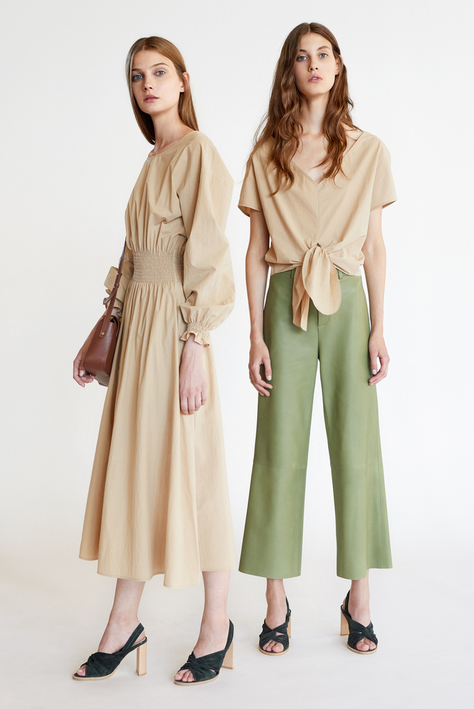 295 ezer forintot kér egy ilyen olivazöld pantallóért az ÁERON
