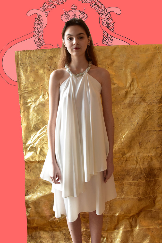 Nyári koktélpartikhoz vagy esküvőkre is kiváló ez a nyakbaakasztós Je Suis Belle ruha, amiért 285 eurót, kb.88 600 forintot kér a tervezőpáros.
