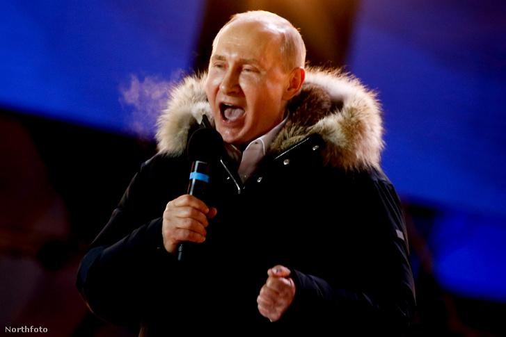 A választási győzelmét ünneplő Putyin március 18-án Moszkvában
