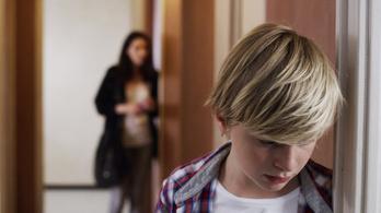 Hogyan használják fel egymás ellen a szülők a gyerekeiket?