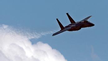 Az amerikai légierő lézerfegyvereket szerel az F-15-ösökre