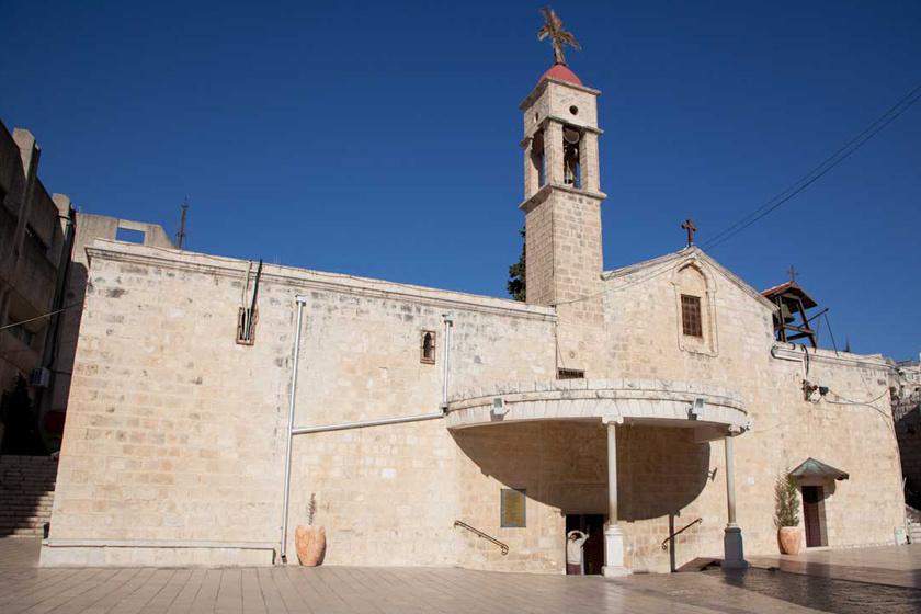 Máriának Názáret városában adta hírül Gábriel arkangyal a Megváltó születését, melynek ma a görög katolikus Angyali Üdvözlet temploma, azaz a Szent Gábriel-templom állít emléket. Később Jézus itt töltötte gyermekkora javát.