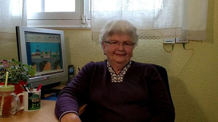Ismerje meg a 87 éves Concha Garcia Zaerat, aki ahelyett, hogy pulóvereket kötne tonnaszám, inkább olyan tevékenységgel tölti ki a mindennapjait, amely nem éppen jellemző az ő korosztályára
