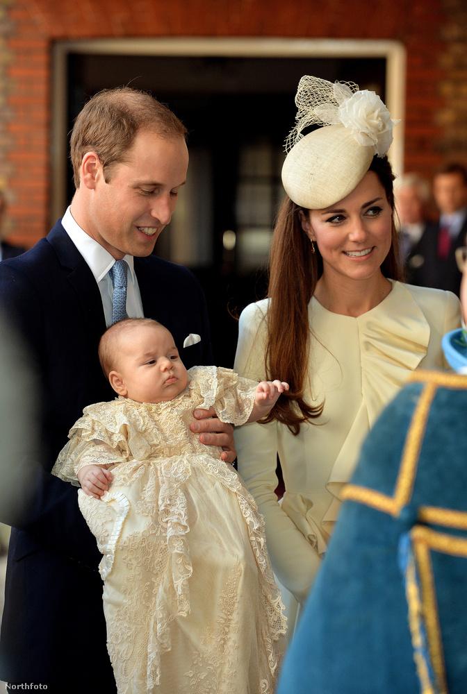 Persze őket már aligha érik meglepetések a királyi etikettel kapcsolatban, az átlagember azonban nem biztos, hogy képben van, mit is jelent mindez a gyakorlatban