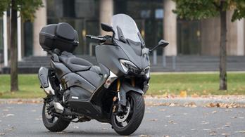 Teszt: Yamaha TMAX DX – 2017.