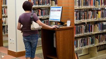 Még pedikűrözni is jobban megéri, mint könyvtárosnak lenni