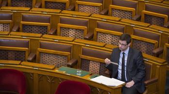 A parlamenti rendkívüli ülése tökéletesen leképezte az elmúlt két ciklust