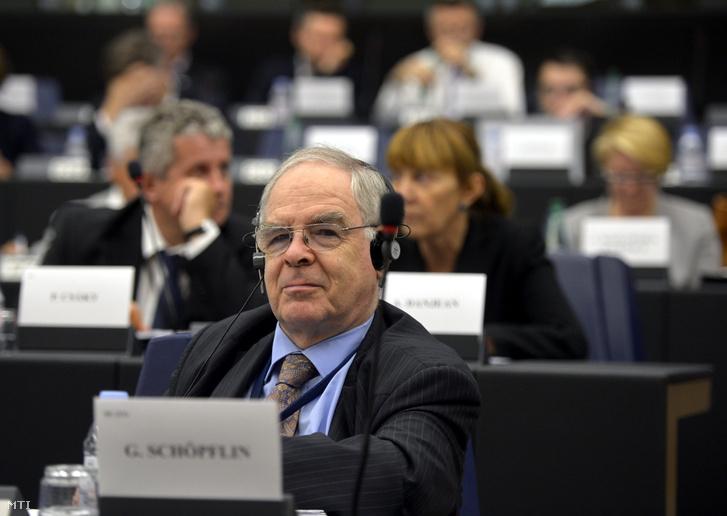 Schöpflin György a Fidesz EP-képviselõje