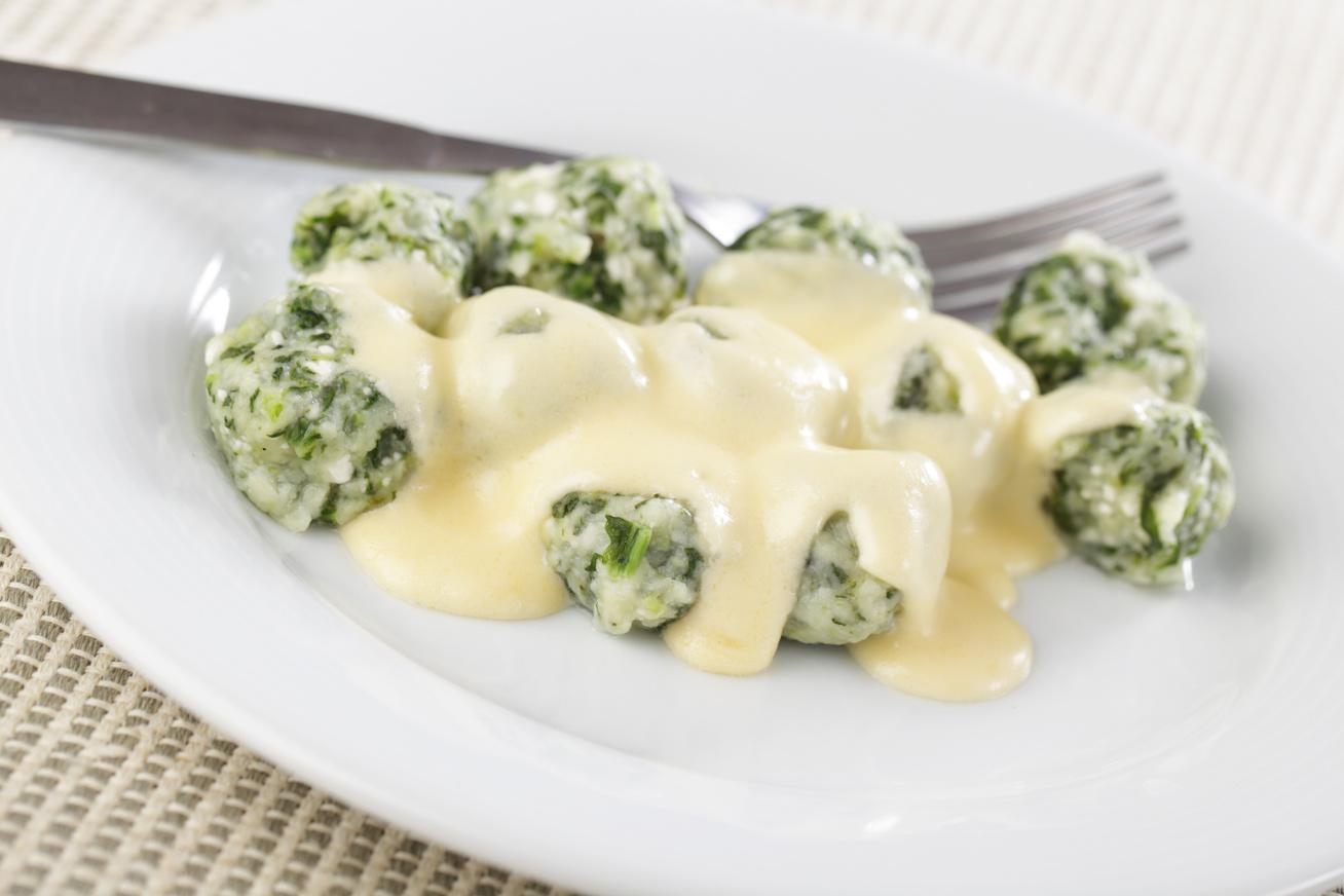Karcsúsító sajtos, spenótos gombóc: alig van benne szénhidrát, és nagyon finom