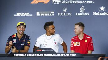 Hülyére vették az újságírókat az F1-esek