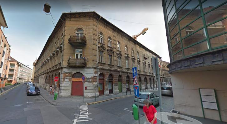 A Tűzoltó utca és a Viola utca sarka