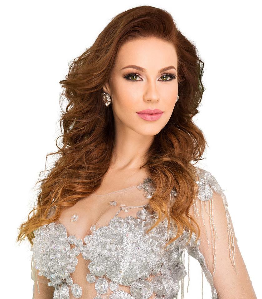 A filmproducer és színésznő, Csősz Boglárka, akinek török milliárdos a férje.