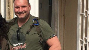 Waffen-SS-es pólóban pózolt egy tel avivi osztrák diplomata