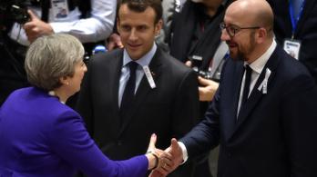A tavalyelőtti brüsszeli robbantásokra emlékeztek az EU vezetői