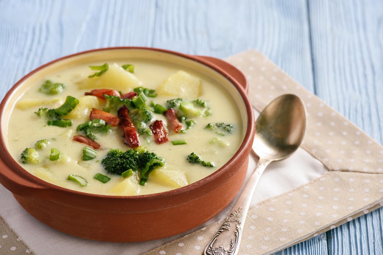Krémes krumplileves brokkolival és baconnel - Imádni fogod, ha megkóstolod