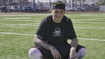 A fél NFL kíváncsi a visszatérésén dolgozó Manzielre