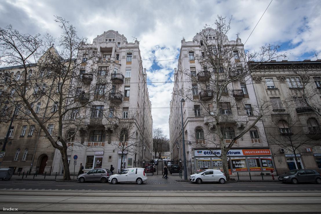 A Bartók Béla út 15. A és B épülete, Kosztolányiék és az Ottlik család egykori otthona