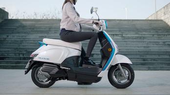 Ez a Kymco válasza a Honda szabványakkumulátorára