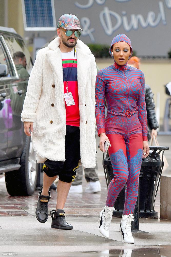 Egyébként az énekesnő a fotókon épp az America's got Talent felvételére igyekszik.De nem ők voltak az egyetlenek, akik kimerészkedtek ebben az időben az utcára.