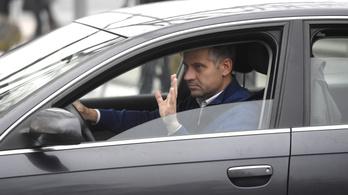 Milliós eltitkolt bevételhez juthat Szatmáry Kristóf az MKB pénztáraitól