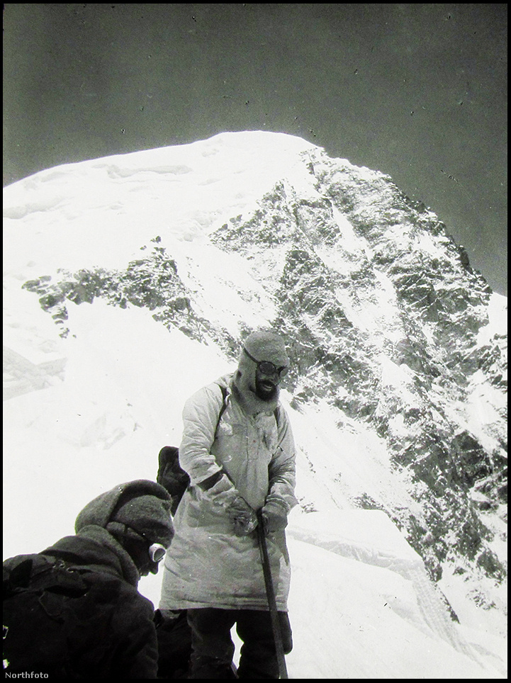 A sikeres csúcstámadás után mászócsapat még közel egy hónapig a térségben maradt, további hegyeket másztak meg és térképeztek fel. A csapatból négyen később az Everesttel is próbálkoztak, de enélkül is ismertté váltak. A brit sajtó ünnepelte őket, egy kis időre celebekké váltak.