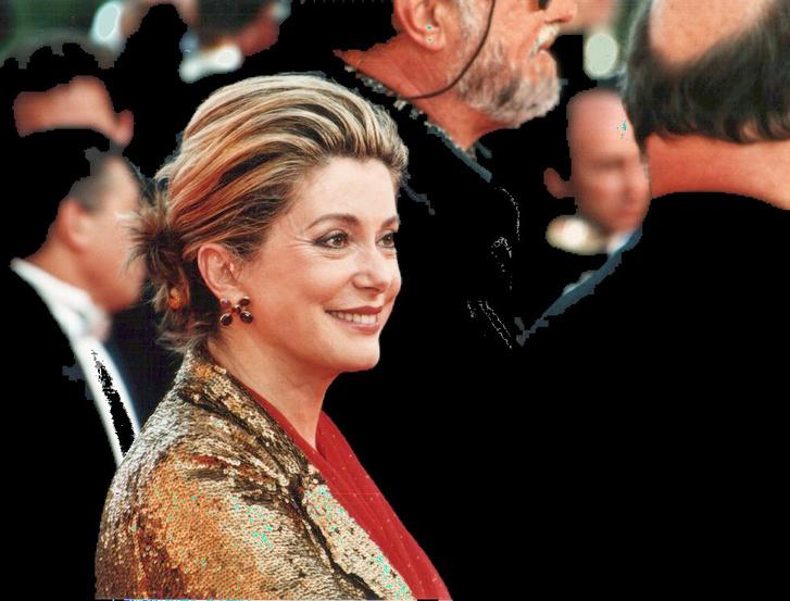 Catherine Deneuve 2000-ben, a Cannes-i Filmfesztiválon