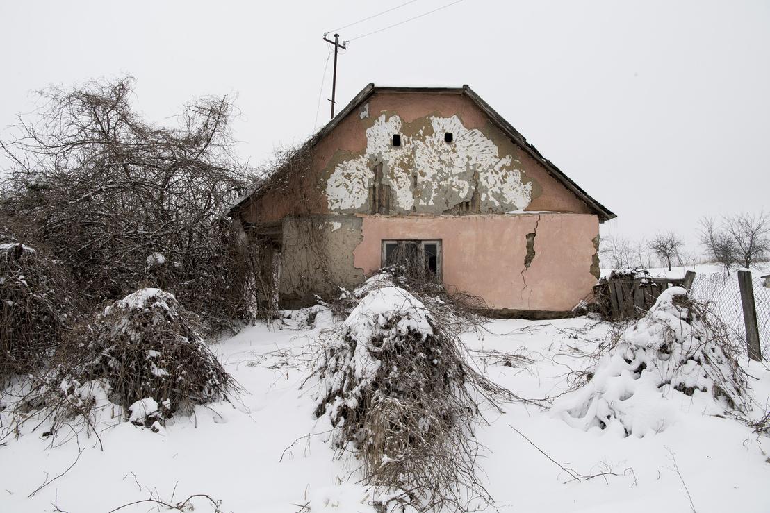 Elhagyott és pusztuló ház Érpatakon