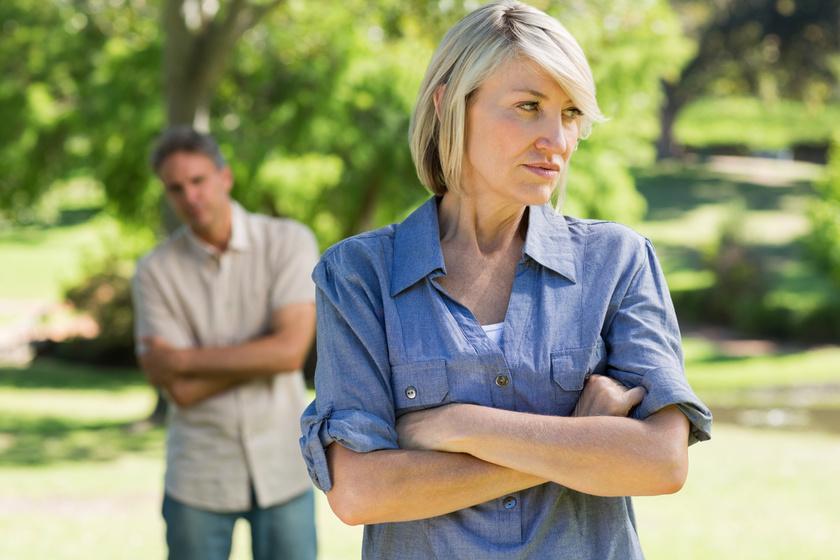 Így akarja elszigetelni a nárcisztikus ember a másikat - Szabotálhatja a barátságokat és a karriert is