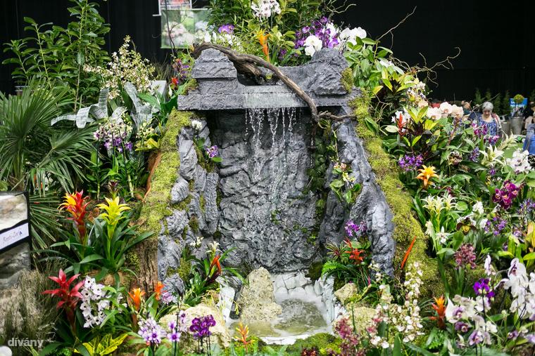 Ez sem biztos, hogy elfér a kerti törpe helyén, de lehet akár házi vízesésed is