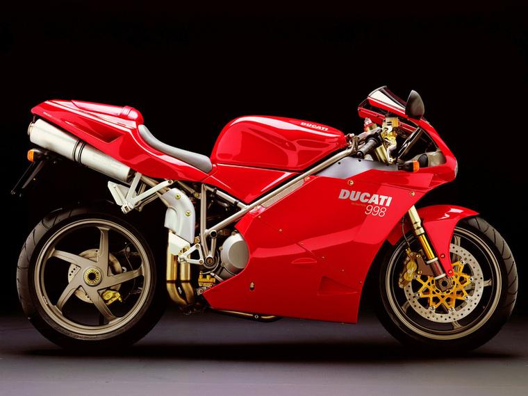 Ducati 996/998: nincs ezen mit magyarázni, a legszebb sportmotor evör