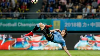 Cavani a 11-es ponttól ollózott óriási gólt