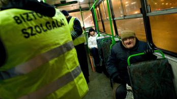 Elfajult verekedés az éjszakai buszon