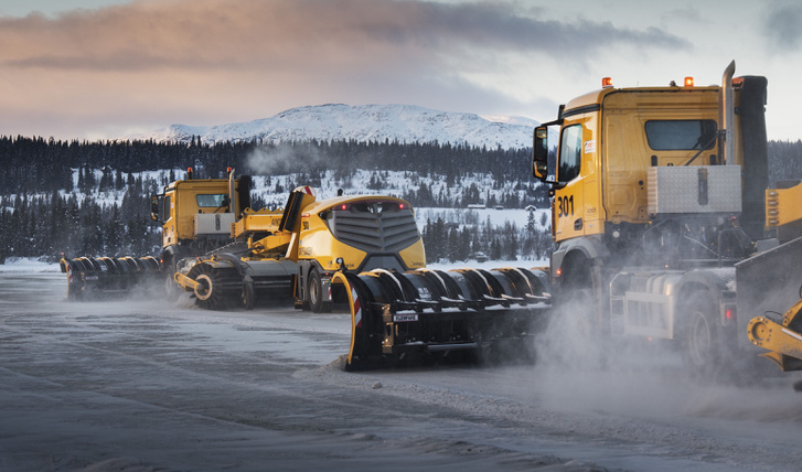 Yeti Snow Technology - snow removal machines in formation from b