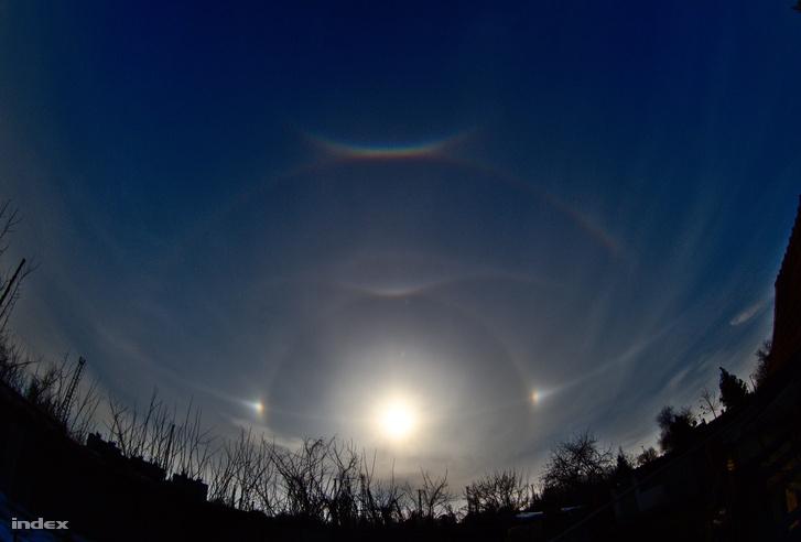 Az ég Cegléden, 2018. március 23.-án, délután három körül