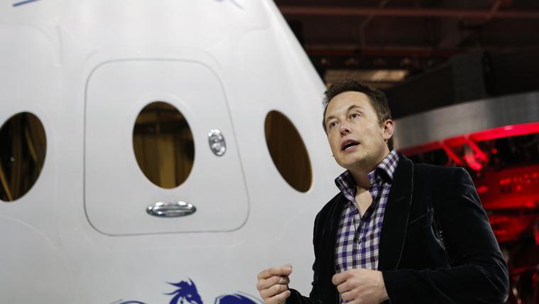Elon Musk letörölte a Teslát és a SpaceX-et a Facebookról