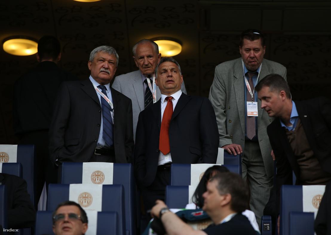 Csányi Sándor (balra)