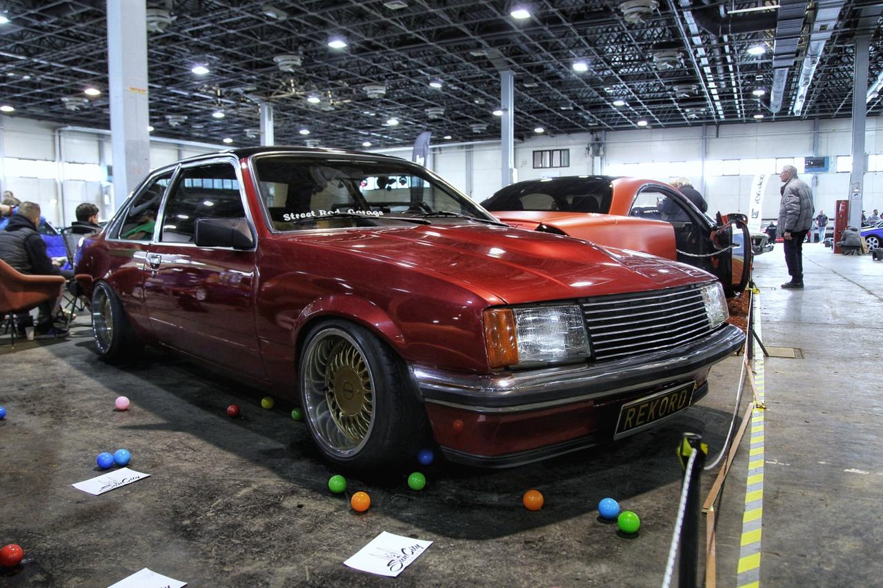 Ami még ritkább: Opel Rekord, poraiból gyönyörűen feltámasztva