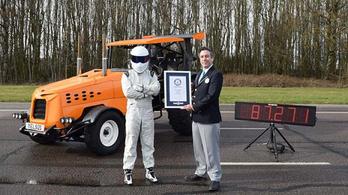 A világ leggyorsabb traktora pedig...